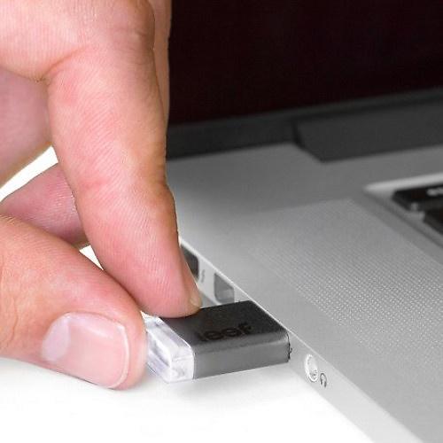 Leef USB 3.0 Magnet Drive 16GB