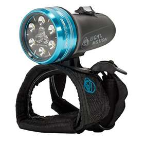 Light & Motion Sola Dive 1200