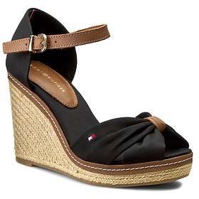 7d2bc238e3403 Find the best price on Tommy Hilfiger FW56820644 (Women s)