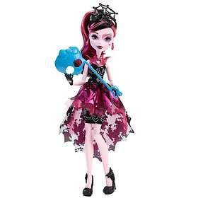 Monster High Dance the Fright Away Draculara Doll DNX33