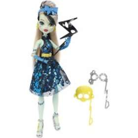 Monster High Dance the Fright Away Frankie Stein Doll DNX34