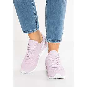 58adbbe3ef873a Find the best price on Reebok Classic Nylon Slim Architect (Women s ...