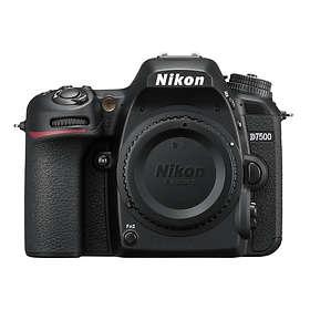 Nikon D7500 + 18-300/3,5-6,3 VR