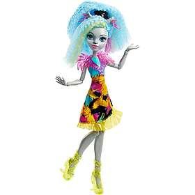 Monster High Electrified Hair-Raising Ghouls Silvi Timberwolf Doll DVH66