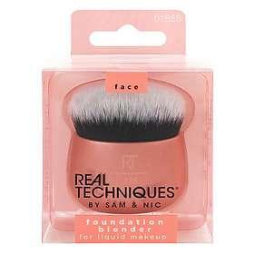 Real Techniques 213 Foundation Blender Brush