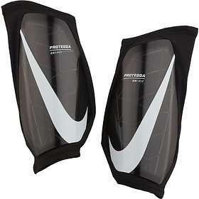 Nike Protegga Guard