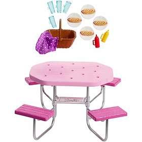 Barbie Picnic Table FXG40
