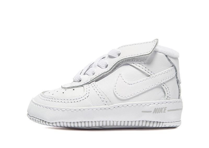 Nike Air Force 1 Crib au meilleur prix - Comparez les offres de sur  leDénicheur ffb04bde2adde
